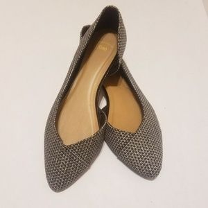 Gap pointy flats with cute print